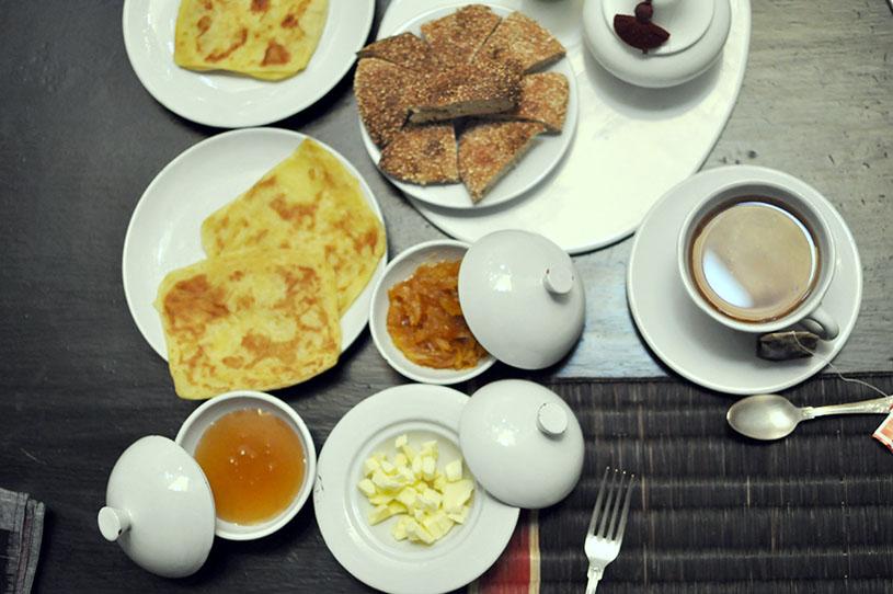 in-detail-breakfast-dar-kawa-patio-marrakech