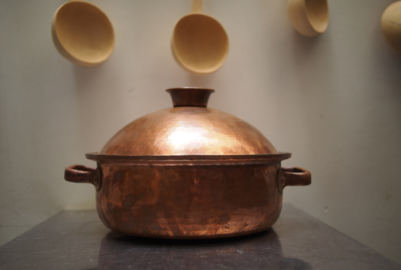 traditional-handmade-copper-pan-shoppping