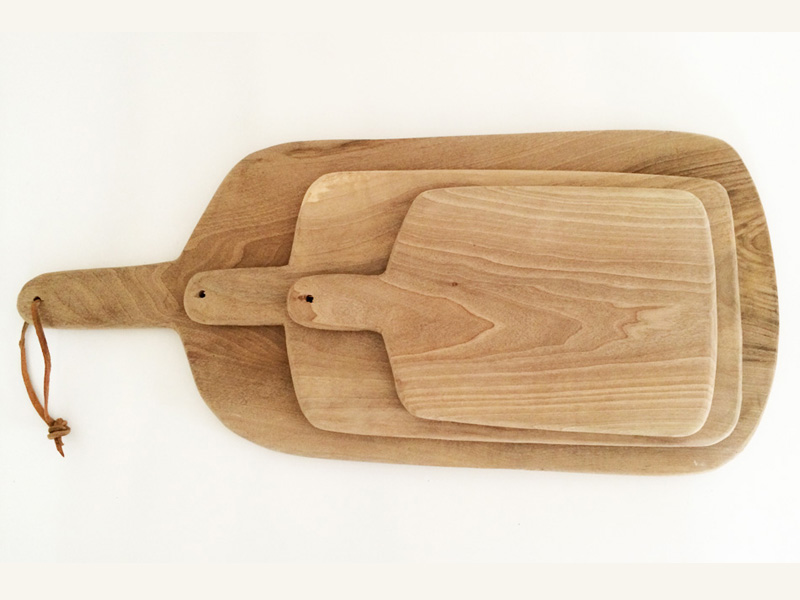 shopping-planches-cuisine-bois-souk-marrakech-1 cutting boards