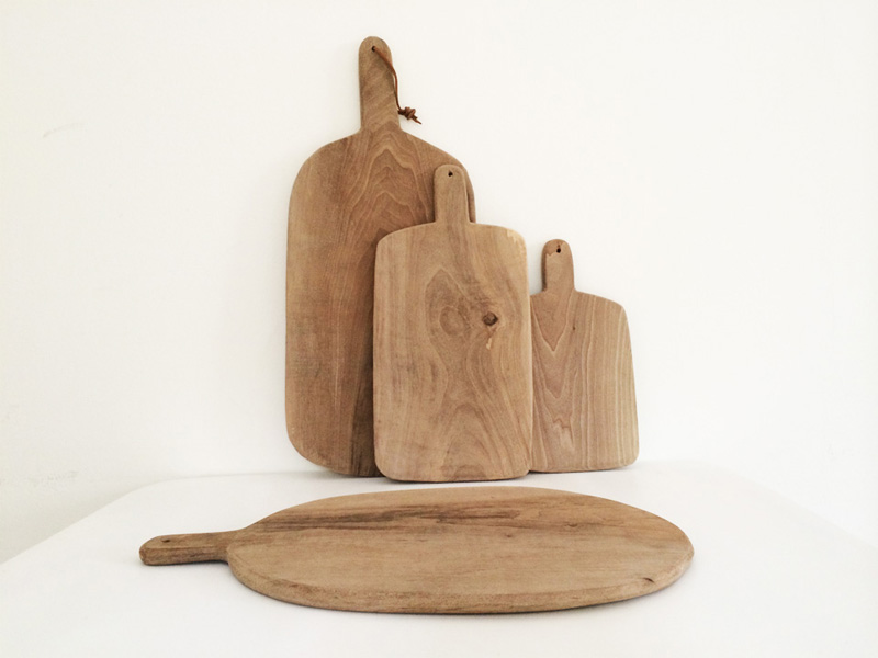 shopping-planches-cuisine-bois-souk-marrakech-3 cutting boards