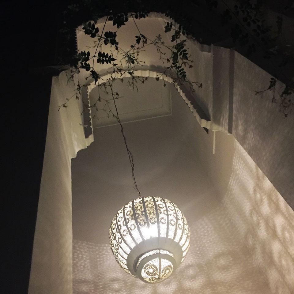 riad-darkawa-night-light-patio-medina-design-marrakech-boutiquehotel-2